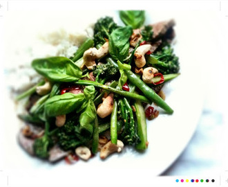Chilli Cashew Beef with Broccolini & Green Beans