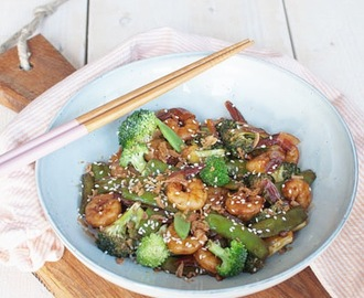 Recept: Teriyakigarnalen met broccoli en sugarsnaps