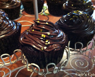 Recipe: Allergy-Friendly Chocolate Birthday Cupcakes with Tofu Mousse and Scream de Menthe