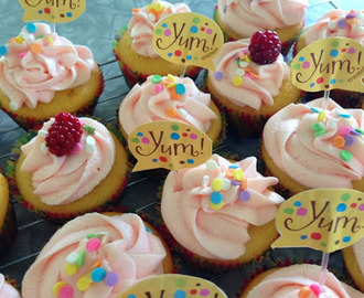 Vanilla Cupcakes with raspberry buttercream icing - Kids in the kitchen