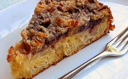Apple plum cake