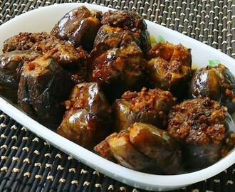 Ennai Kathirikkai / Stuffed brinjal Curry