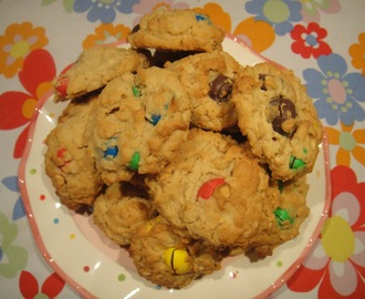 Secret Recipe Club: Oatmeal, M&M and Peanut Butter cookies