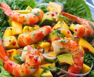 Prawns with mango and avocado salad
