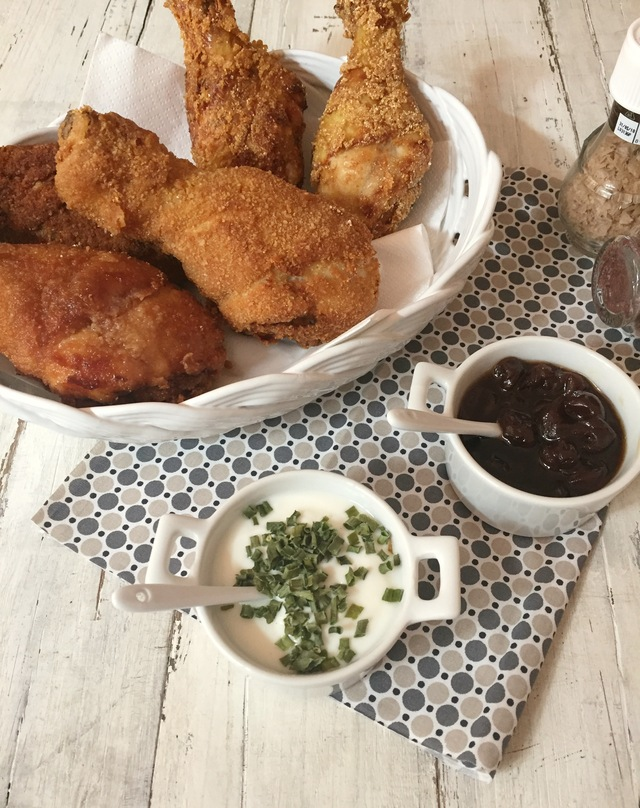 Pollo fritto con salsa allo yogurt