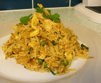 "Singapore style Chicken Fried Rice (or ""using up roast chicken"")"