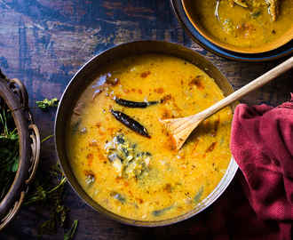 Macher Muro Die Bhaja Muger Daal ( Dry Roasted Yellow Lenti With Fish Head )