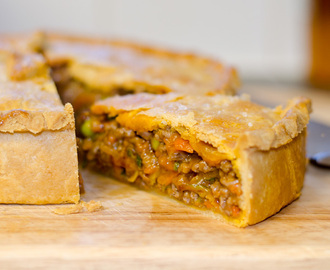 Minced Beef and Vegetable Pie