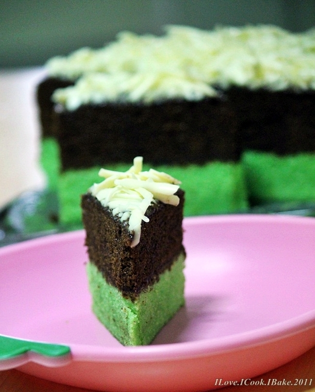 Steamed Chocolate & Pandan Brownies