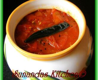 Sweet and sour tomato mango chutney