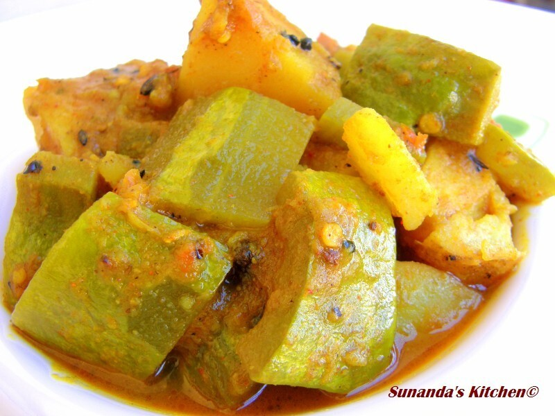 Chichinge Aloor Dalna( Snake Gourd Potato curry)