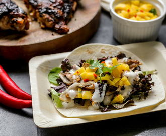 Spicy Chicken and Mango Salsa Soft Tacos