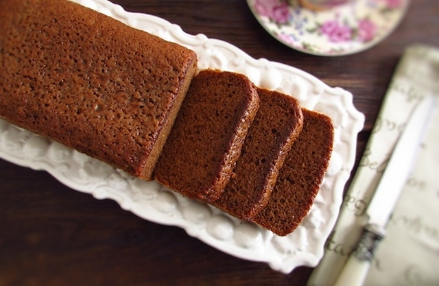 Brown sugar, olive oil and cinnamon cake