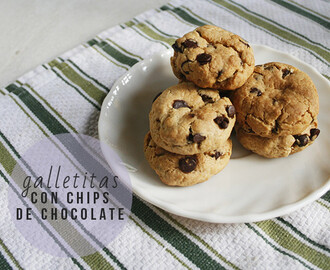 GALLETITAS CON CHIPS DE CHOCOLATE.