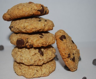 Oats Almond Chocolate-Chip Cookies