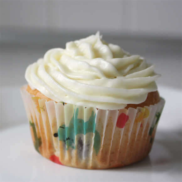 Coconut Cupcakes mit Vanilla Frosting