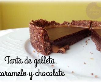 Tarta de galleta, caramelo y chocolate