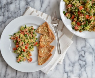 Quinoa Salad served with Pita chips