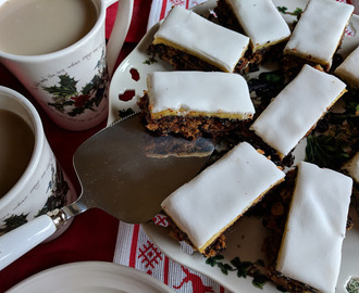 Christmas fruit cake traybake slices