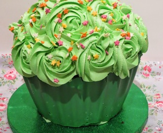 Chocolate and Mint Giant Cupcake