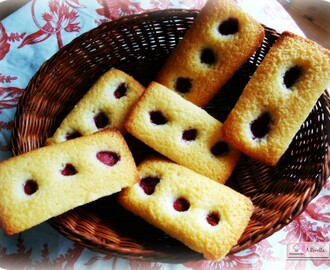 Financiers con frambuesas