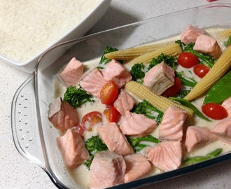 Thai Style Green Curry with Salmon & Steamed Rice