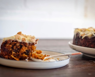 How to make a Date, Carrot & Walnut Cake