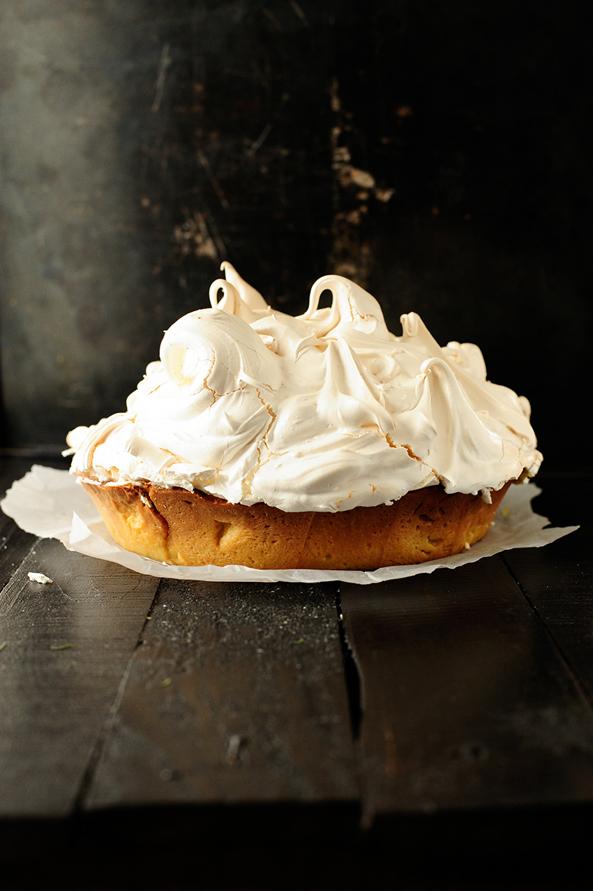 Lemon almond meringue tart