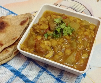 Lauki /Bottle gourd with Chana Dal ( Ghiya Chane ki Dal )
