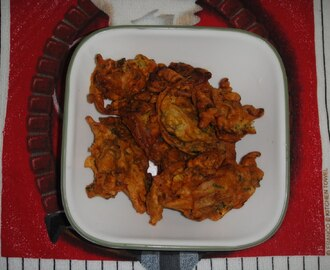 KAJU METHI ONION PAKORA(ON A RAINY DAY)