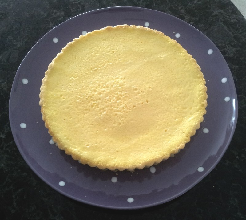 Sour cream lemon tart