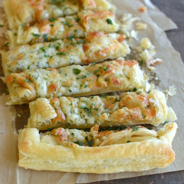 Puff Pastry Cheesy Garlic Bread