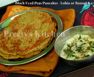 Black Eyed Peas Pancakes / Lobia or Raungi Ka Chilla ( Step By Step Pictures )