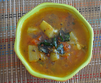 Anapakaya Pulusu ~ A Tangy Gravy with Bottle Gourd
