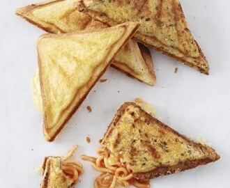 Spaghetti and Cheese Jaffles