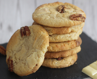 white chocolate & pecan cookies.