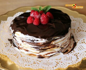 Tarta de crepes con nata y chocolate