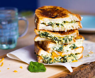 Spinach and Artichoke Grilled Cheese #GrilledCheese