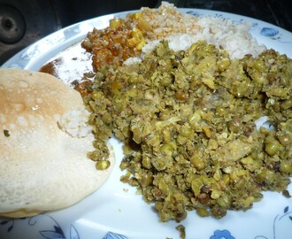 Green gram and Raw Banana (Plantain) with Coconut/ Cherrupayaar Pachayethakaya Thoran