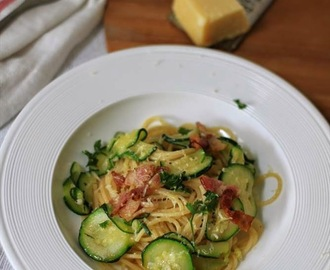 Recipe: Spaghetti Pasta with Zucchini, Crispy Bacon & Parmesan