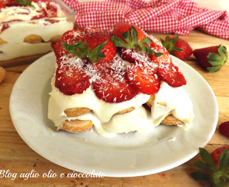 TIRAMISU' FRAGOLE E CREMA CHANTILLY