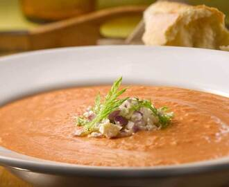 CREAMY ROASTED TOMATO AND FENNEL SOUP WITH FETA CHEESE