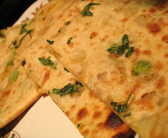 AALOO (POTATO) CHEESE PARATHA