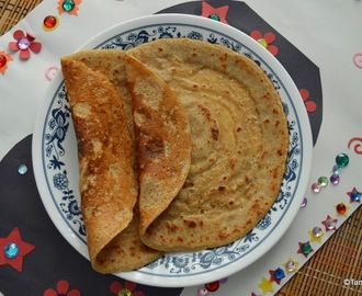 Atta Chakuli ~ Sweet Wheat Dosa