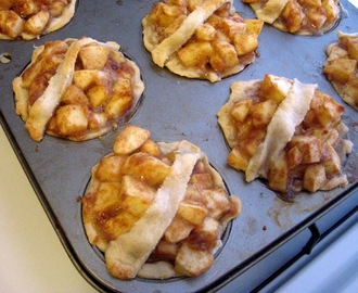 Mini Apple Pies-Take 2: Holiday Recipe Exchange: Week 15 (Pie)