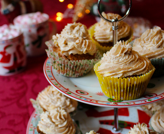 Christmas Spiced Cupcakes with cinnamon cream cheese frosting