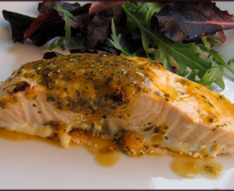 Saucy Fish.Co - Salmon with Red Pesto Style Dressing Review