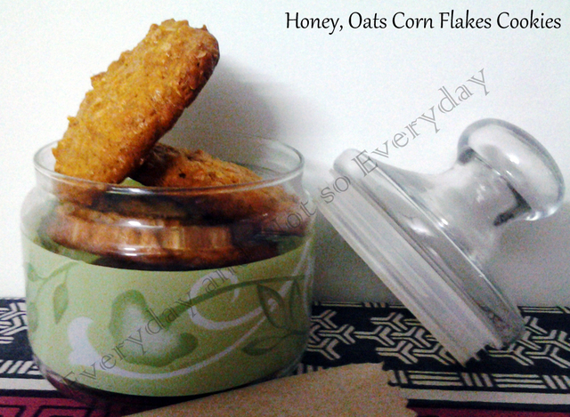 Honey, Cornflakes and Oats Cookies