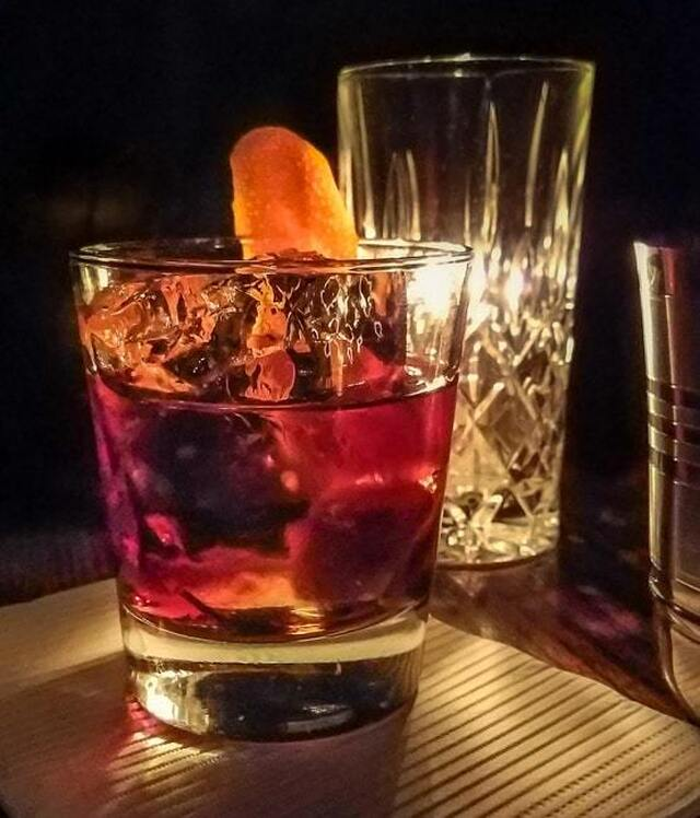 Consumatorium Reviews: New York City Craft Cocktail Bars – Dutch Kills and BlackTail