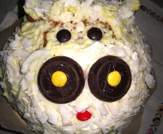 White chocolate Cow cake